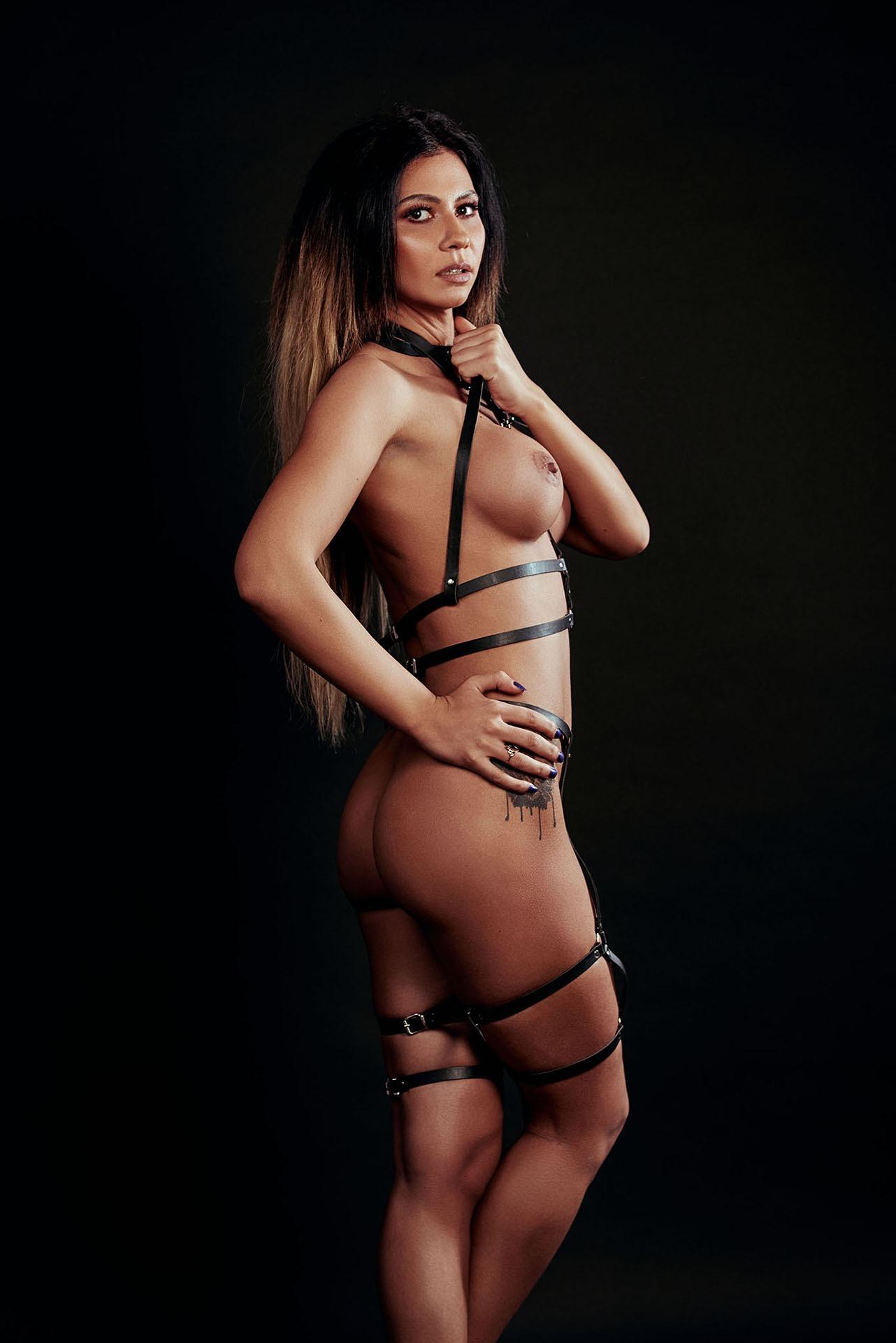 sedinta foto boudoir, boudoir, shooting, sedinta foto, model, erotic, sexy, sensual, booty, lingerie, lenjerie, fotograf profesionist, fetish, retouch, dark, fotograf nud, fotograf profesionist nud, sedinta foto sexy